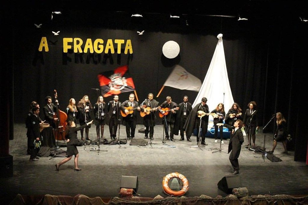A FRAGATA-FESTIVAL DE TUNAS DO BARREIRO